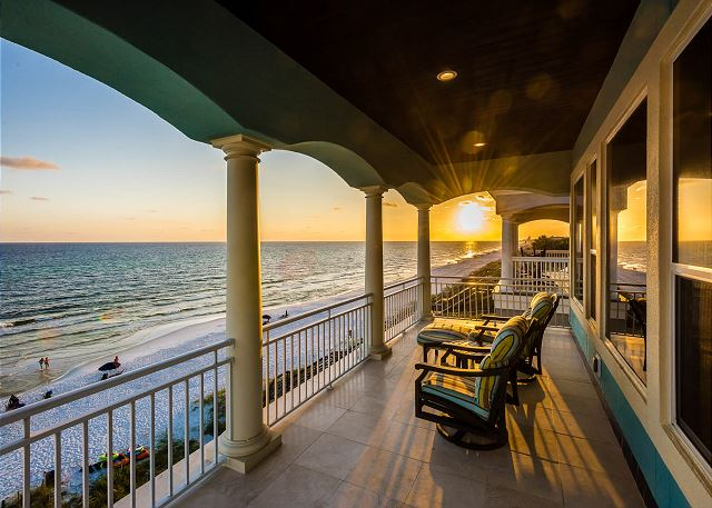 """Seacrest Beach """"Happy House"""" 8034 E County HWY 30A - 30A Vacation Rentals"""